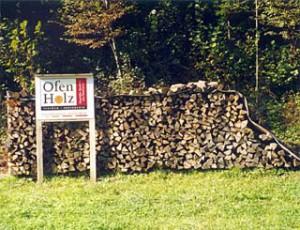Ofenholz geschlichtet